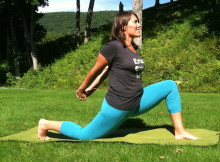 Yoga Poses for the Car, Kneeling Lunge